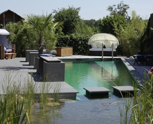 Design-Terrasse-Holz-Stein
